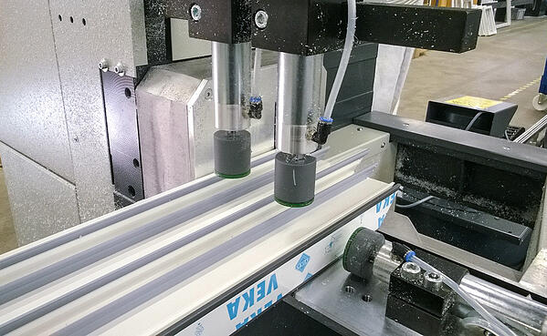 Kone Iccunan tehtaan tuotantoprosessista.
