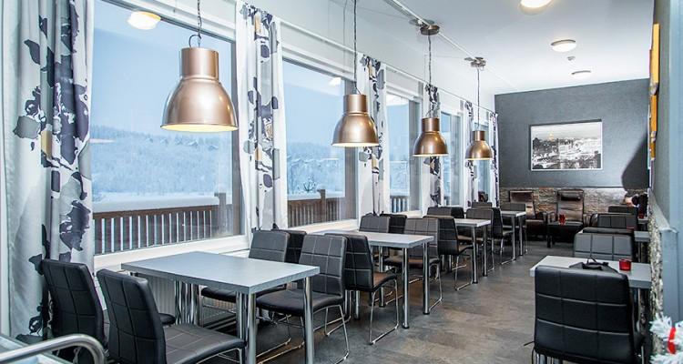 Iccuna toimitti suuret kiinteät ikkuna kahvilaan Hyrynsalmelle.