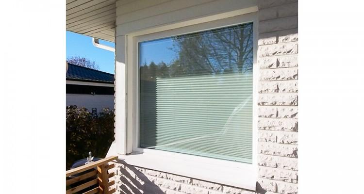 Tämän remonttikohteen ulkopuolen viimeistely on tehty vesipellillä ja talon tyyliin sopivilla smyygilaudoilla. (Nokia)