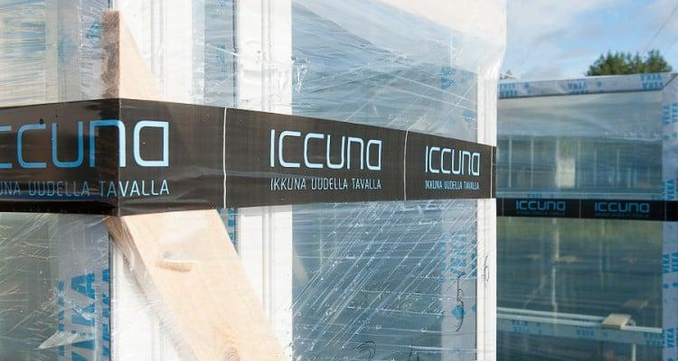 Iccunat pakataan huolella kuljetusvaurioiden välttämiseksi. (Iccunan Nivalan tehdas)
